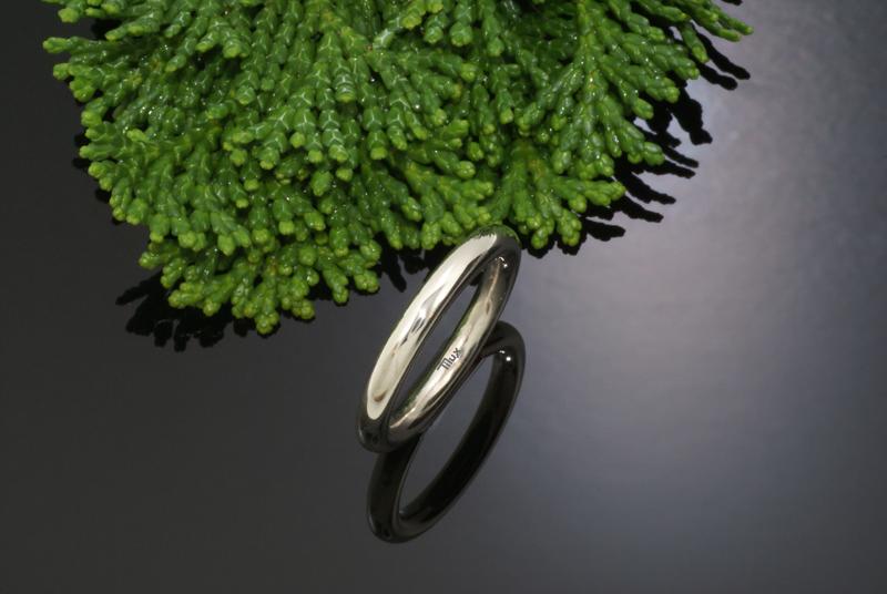 Titan_tilux_enkelt_rund_profil_smykke_fingerring_sølv