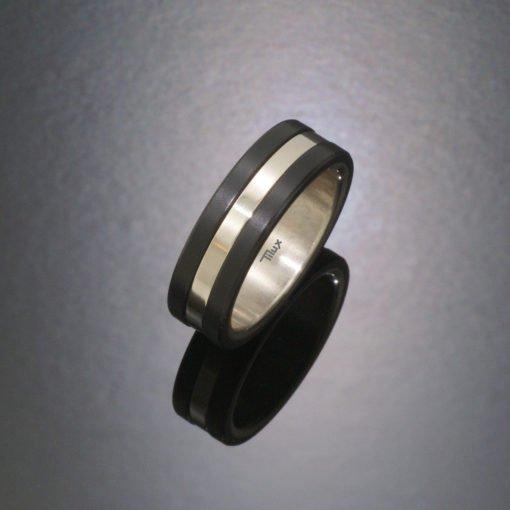 blackline_herrering_damering_vielsesringe_forlovelsesringe_tilux_sort_titanium_titan_tp5011