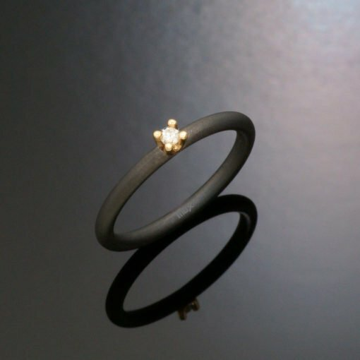 damering_tilux_solitaire_ringe_sten_briliant_diamant_tantal_guld_14_karat_ta7301