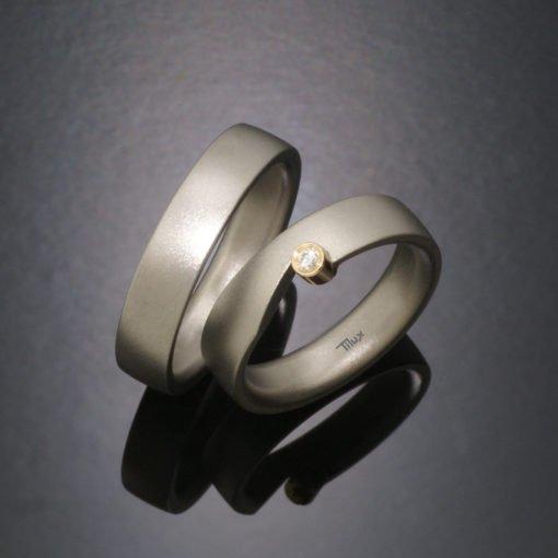 tilux_titan_børstet_boerstet_mat_herrering_damering_vielsesring_forlovelsesring_sten_brilliant_diamant_titanium_guld_14_karat_t2008