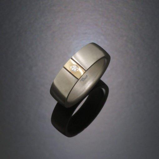 tiluxtitan_damering_vielsesringe_forlovelsesringe_tilux_sten_brilliant_diamant_titanium_titan_guld_14_karat_bt2004